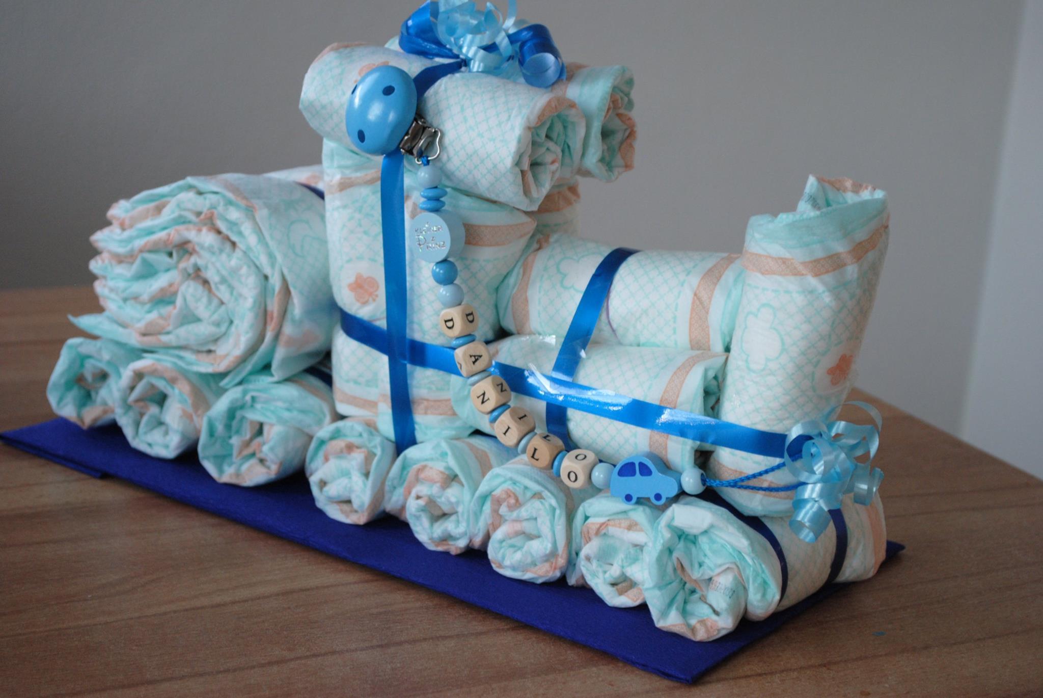 geschenke aus windeln die besten 17 ideen zu geschenke. Black Bedroom Furniture Sets. Home Design Ideas